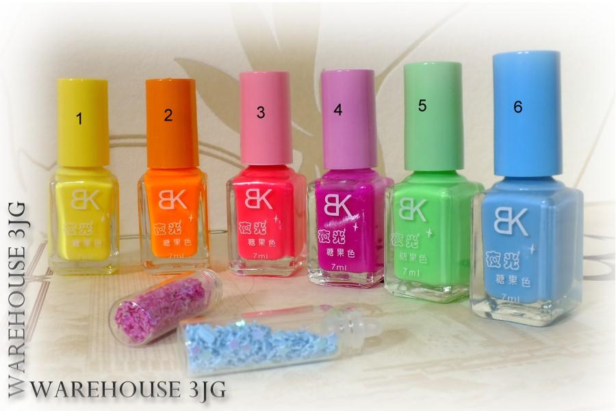 7 ml nagellack mit leuchteffekt neon leuchtet im dunkeln uv floureszierend glow ebay. Black Bedroom Furniture Sets. Home Design Ideas